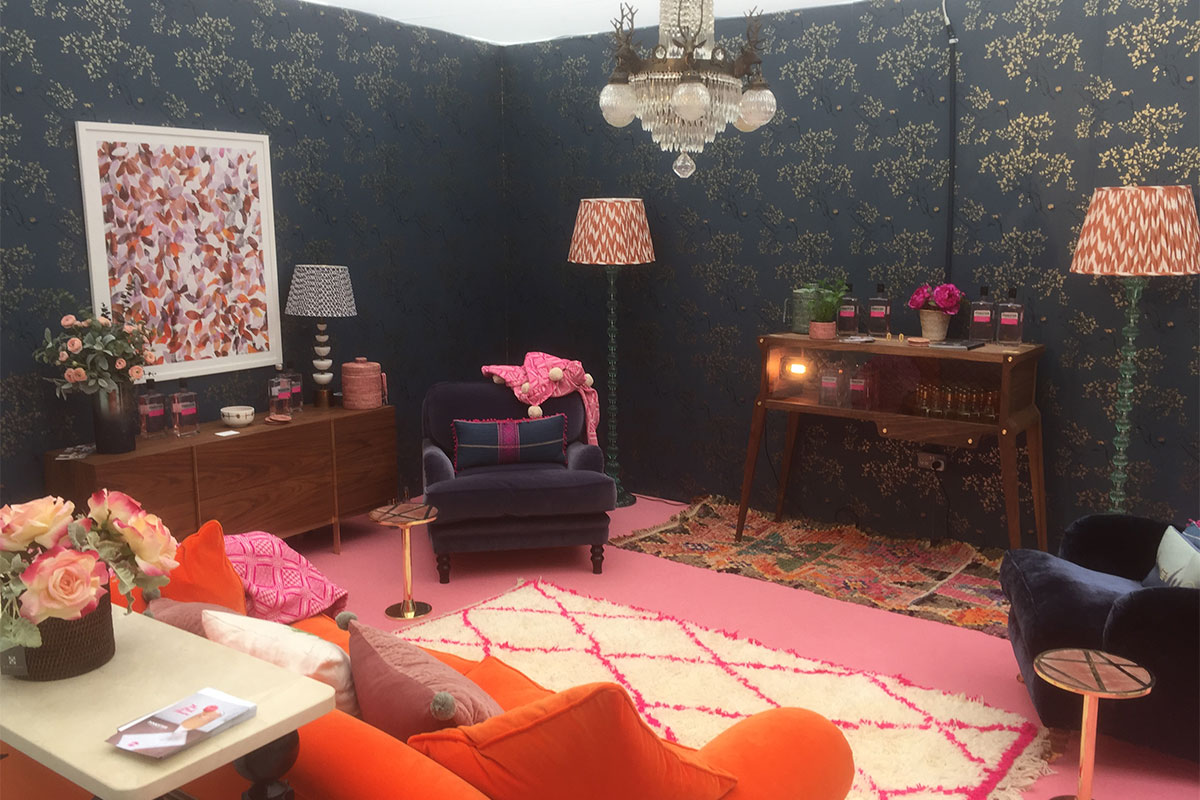 Style Room By The Pink House