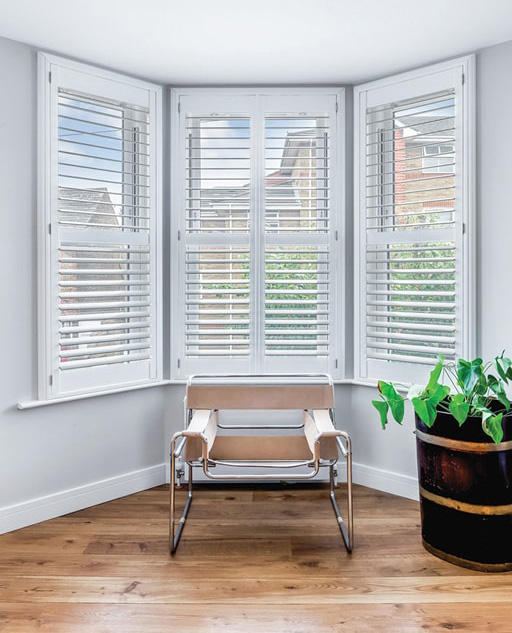 Plantation shutters by plantation shutters ltd london for Window shutters