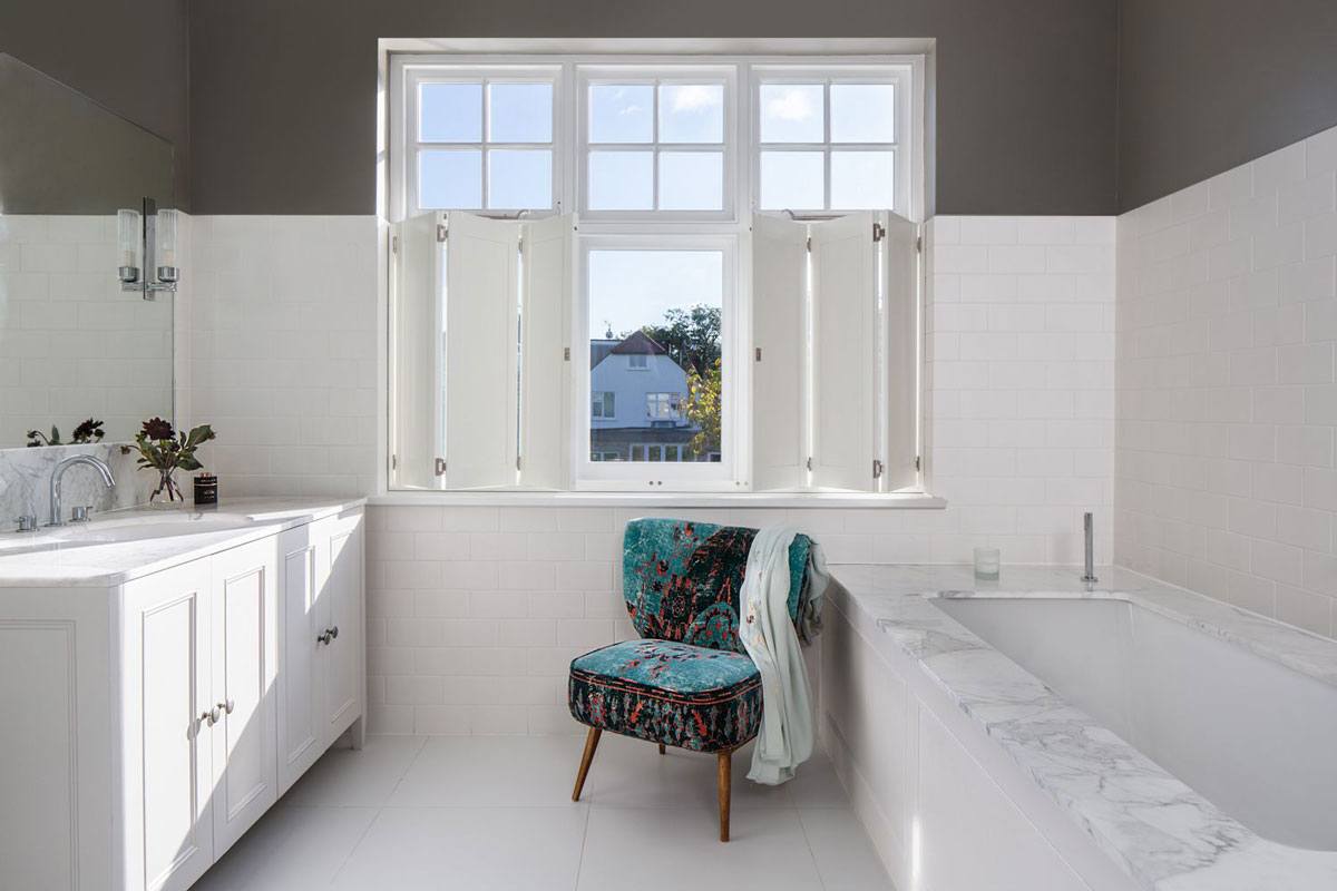 A Relaxing Traditional Bathroom Plantation Shutters