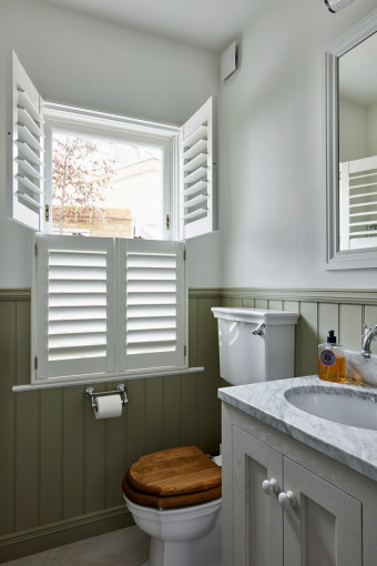 Tier-on-Tier-Shutters-for-Bathroom-Windows-by-Plantation-Shutters-2.jpg